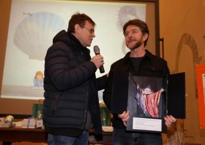 Paolo Domeniconi con il presentatore Luigi Dal Cin